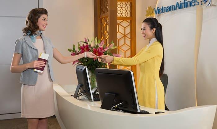 Đặt mua vé Vietnam Airlines trên ví MoMo