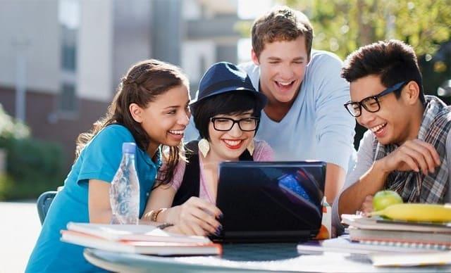 Học Tiếng Anh qua các ứng dụng và mạng xã hội