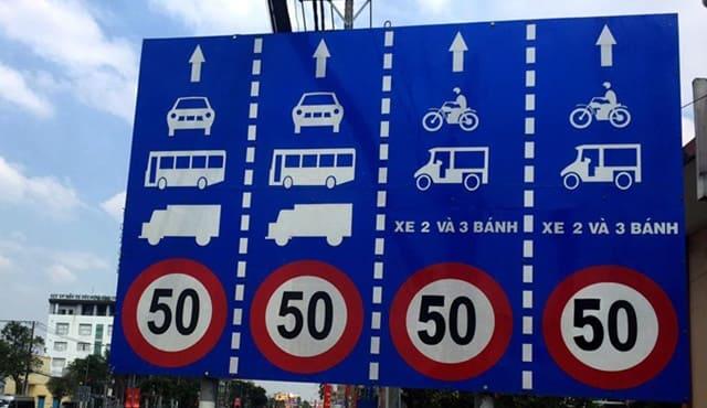 Người điều khiển mô tô, xe máy phải tuân thủ quy định về tốc độ được ghi trên biển báo hiệu đường bộ