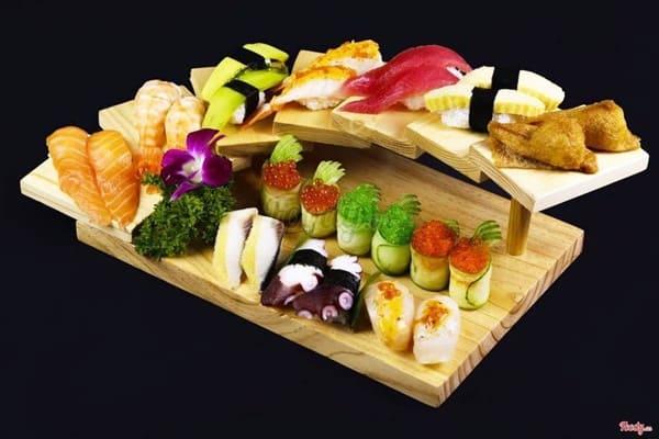 Uchi Sushi - Nhà hàng sushi Nhật Bản