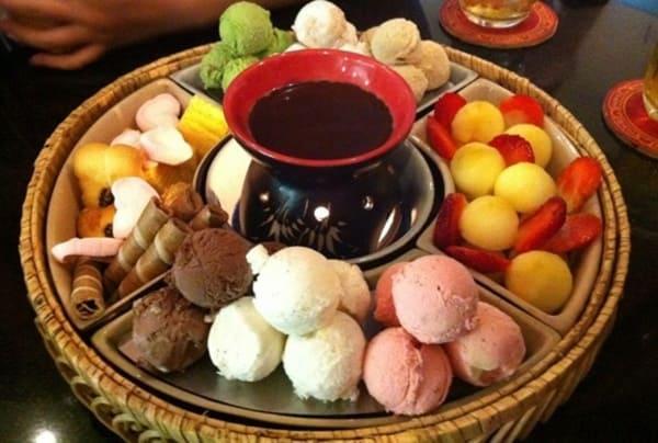 Lẩu kem Snowee