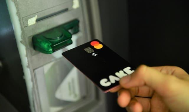 Thẻ Cake có thể rút tiền và giao dịch mọi nơi