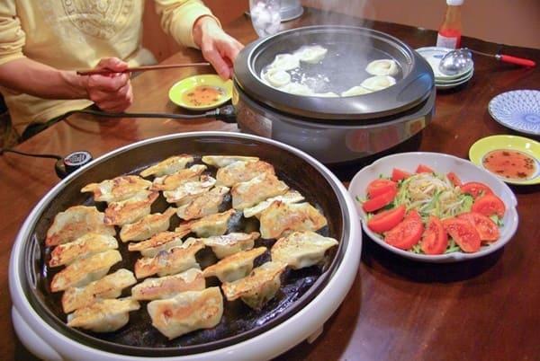 Bếp Tròn: Tỏa Nhiệt Đều, Tiết Kiệm Diện Tích và Phù Hợp Ít Người