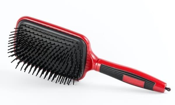 """""""Lược Điện Duỗi"""" (Blow Brush Iron) cho Mái Tóc Thẳng Tự Nhiên"""