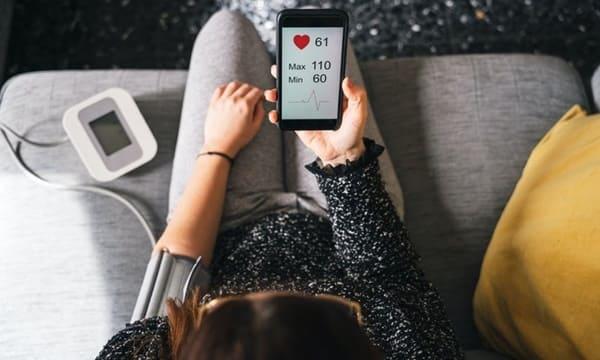 Kết Nối Với Smartphone, Máy Tính Giúp Dễ Quản Lý, Phân Tích