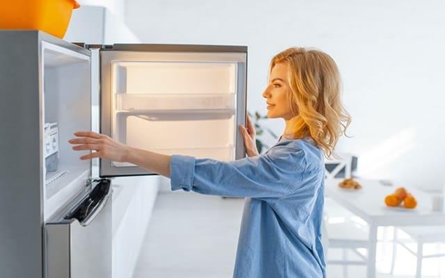 Lưu ý về việc đóng mở cửa tủ lạnh cũ đã qua sử dụng