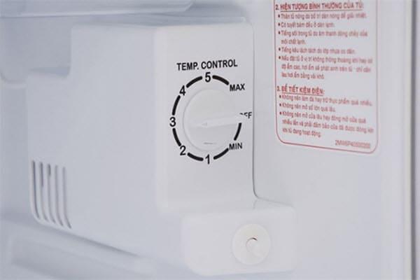 Nút chỉnh nhiệt độ bị sai vị trí là nguyên nhân tủ lạnh không lạnh