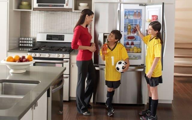 Dựa vào điều kiện kinh tế gia đình để lựa chọn được chiếc tủ lạnh phù hợp nhất