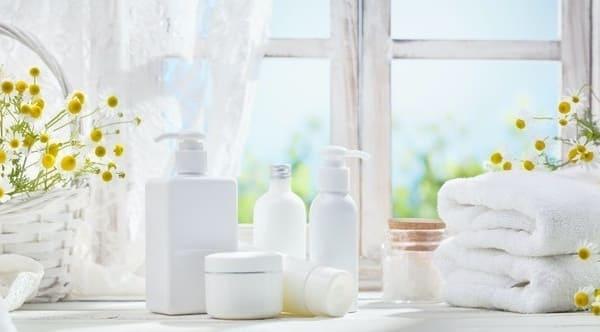 Thành Phần Axit Amin: Làm Sạch Vừa Phải và Nhẹ Nhàng