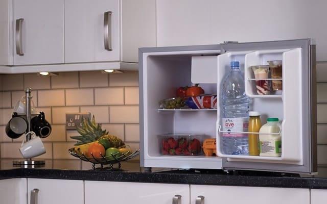 Chọn tủ lạnh mini giá rẻ cho không gian sống nhỏ