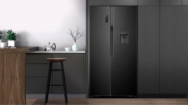 Tủ lạnh side by side Casper Inverter RS-575VBW - 551 lít gây ấn tượng với thiết kế đương đại