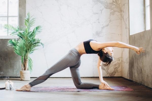 Học Yoga tại nhà tiết kiệm được nhiều thời gian và chi phí