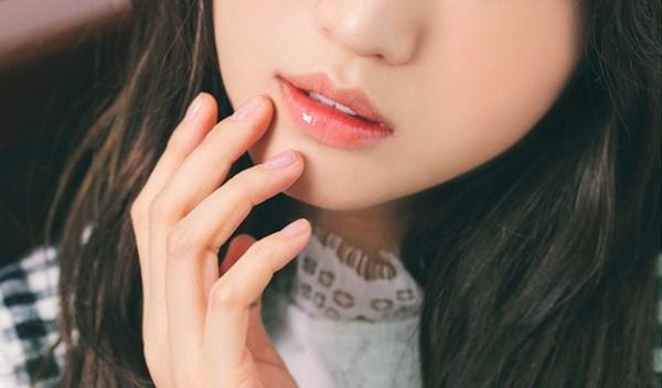 Một chút son môi cho nàng thêm tự tin rạng rỡ