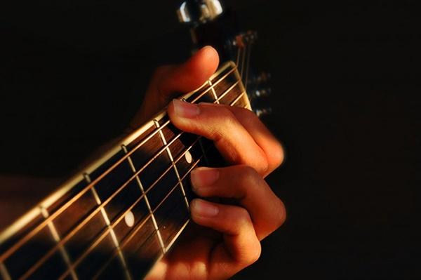 Học Guitar yêu cầu quá trình bài bản, đúng quy trình