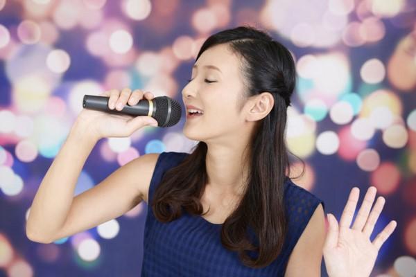 Tôi có niềm đam mê ca hát nhưng không thể thực hiện. Ảnh minh họa